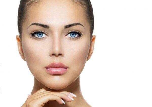 עיבוי שפתיים באמצעות חומצה היאלורונית – ליהנות ממראה נשי, אסתטי ומרשים