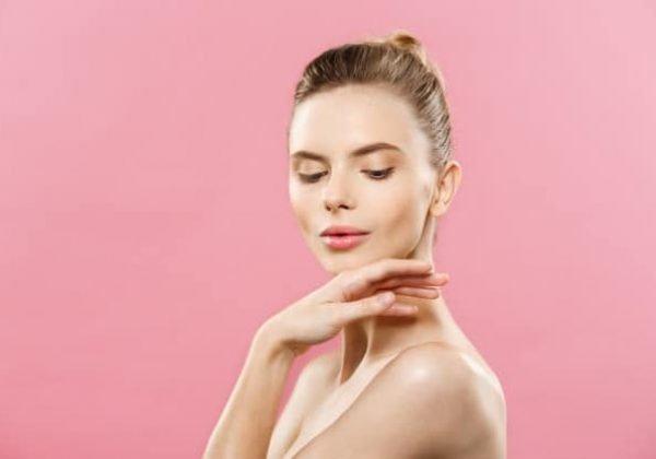 איך ניתן להפחית כתמים אדומים על העור?